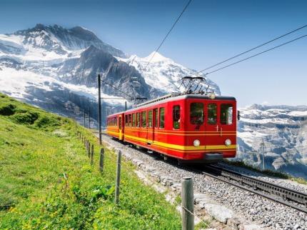 ©výcarsko a Glacier express, vláèky, zubaèky a nejpomalej¹í rychlík svìta
