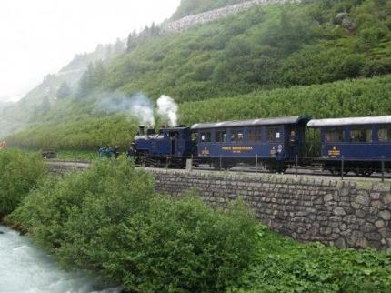 Romantické Švýcarsko z oken horských vlaků