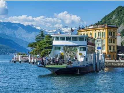Od jezer a palem Bernina expressem do Alp